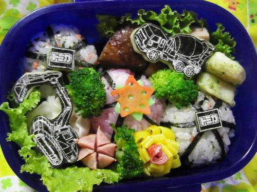 ただのおにぎり(トミカ海苔)弁当